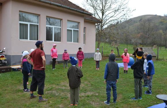 Școala de circ Alandala Circus Project - activitati copii