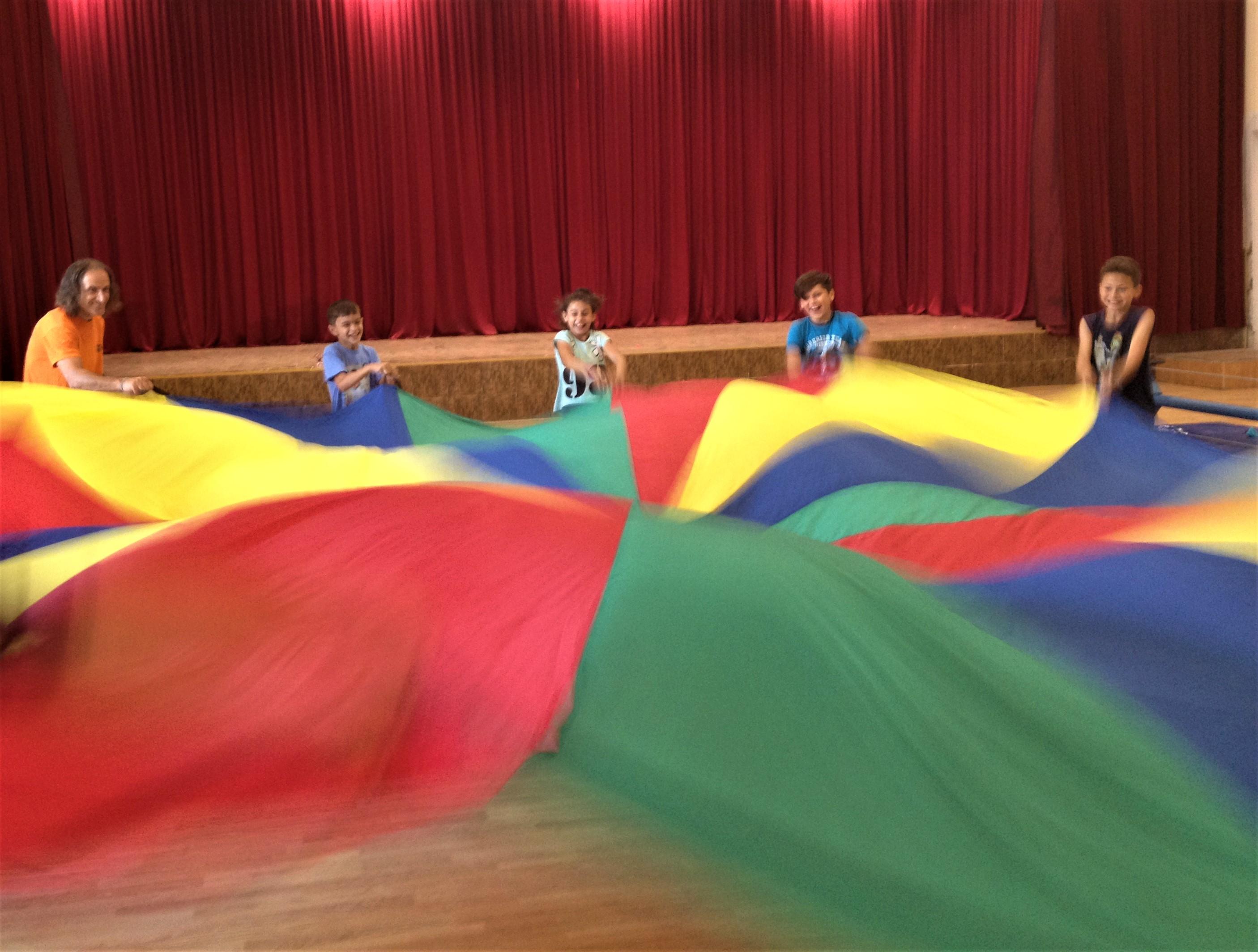 Circ de 2 lei - proiect de circ social 17