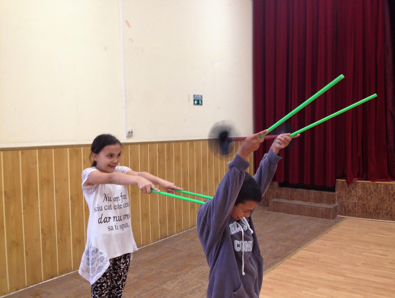 Circ de 2 lei - proiect de circ social 5