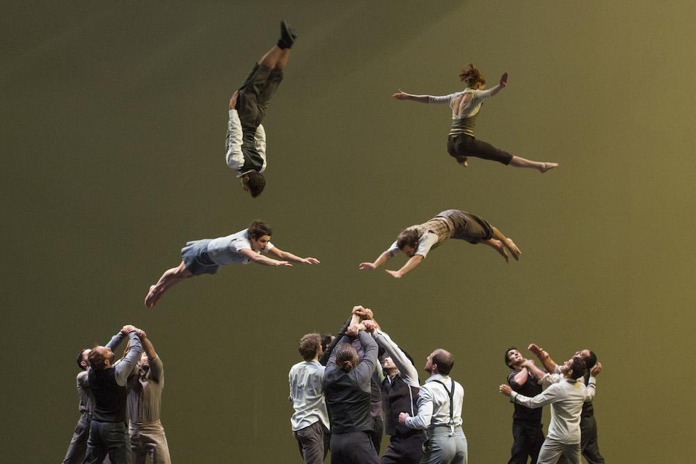 Circ contemporan - Company XY- Școala de circ Alandala Circus Project Photo Credit Christophe Raynaud De Lage