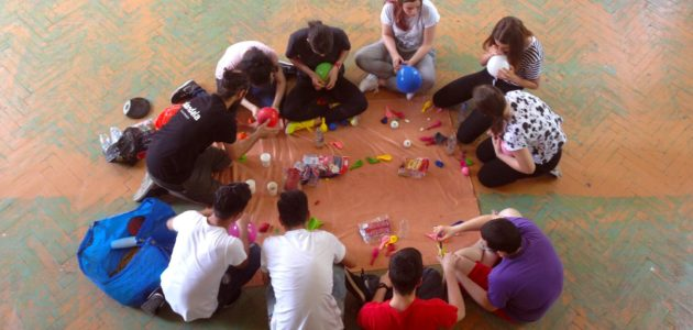 DIY scoala de circ Alandala